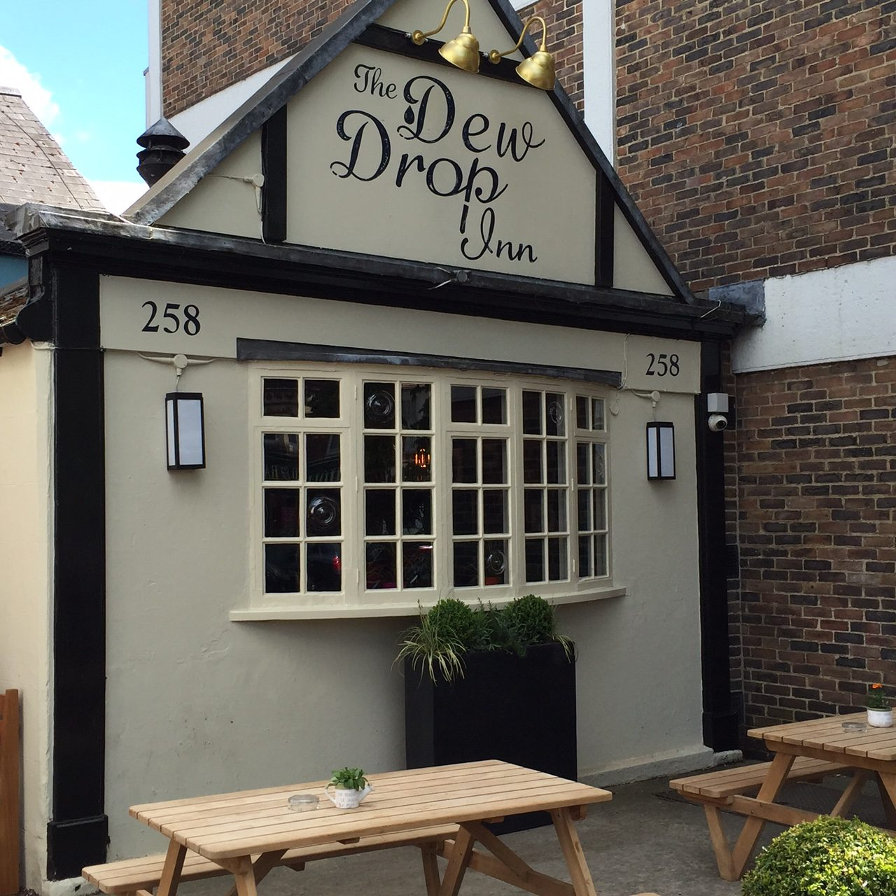 Dew Drop Inn Oxford