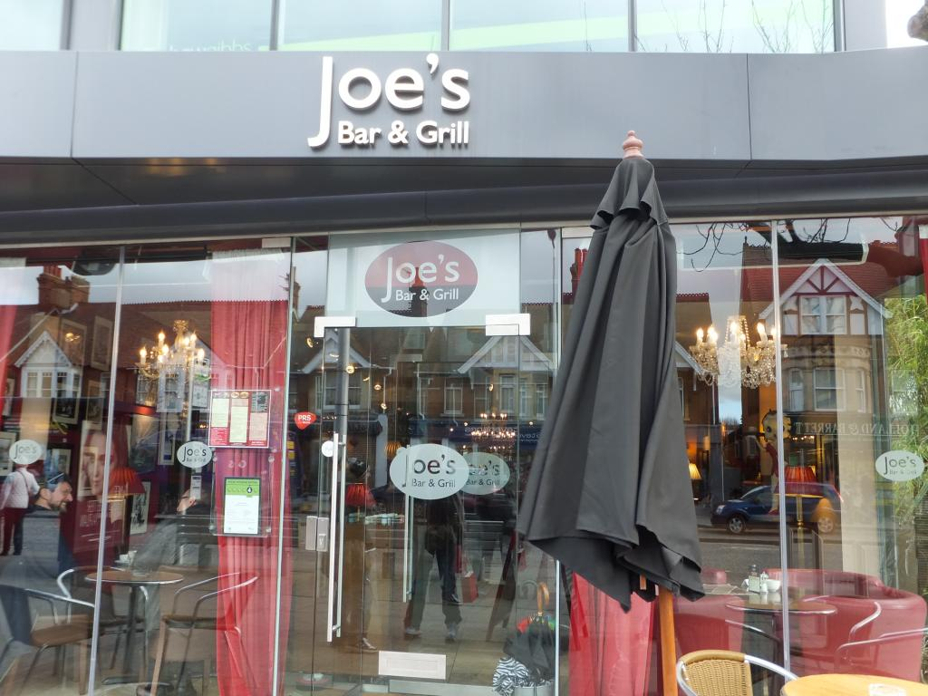 Joes Bar and Grill in Oxford