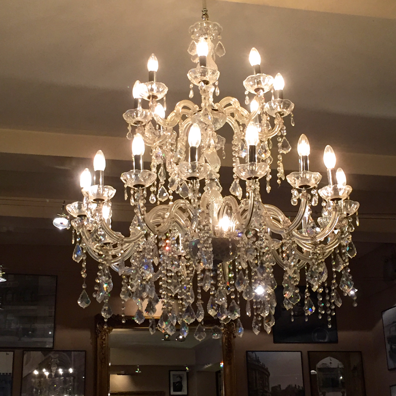 Chandelier at Joes Bar and Grill in Summertown