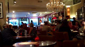 Joe's Bar and Grill: Veggie Burger Review