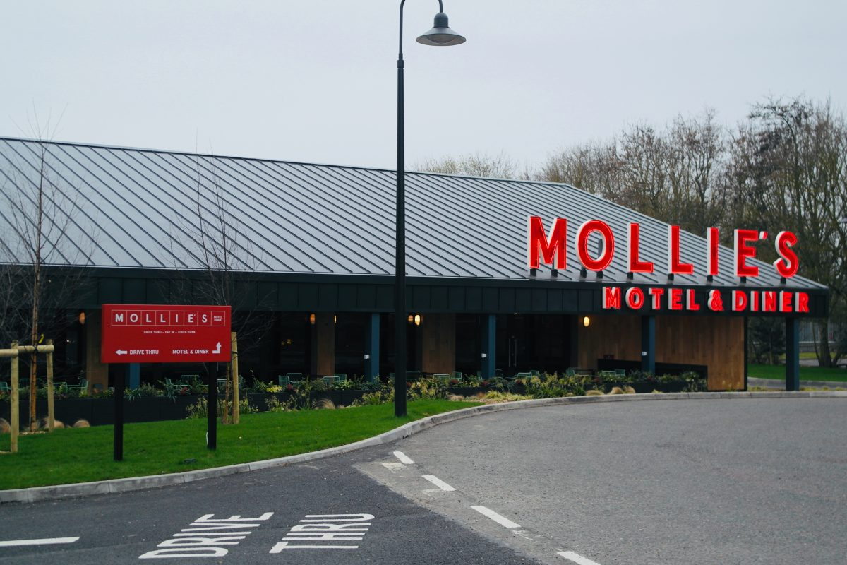 Mollie's Motel & Diner - A420 Buckland, Faringdon, Oxfordshire | Image Credit Bitten Oxford