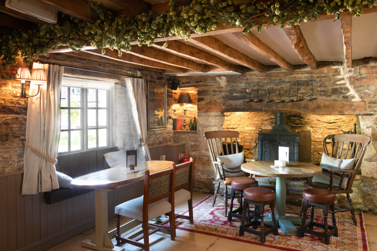 The Lion Wendlebury Interior